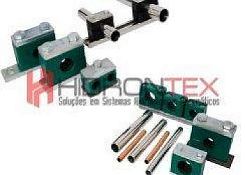 Abraçadeiras de aço para tubos